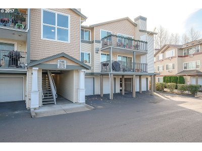 Beaverton, Aloha Condo/Townhouse For Sale: 740 NW 185th Ave #208