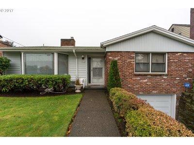 Single Family Home For Sale: 7514 NE Alameda St