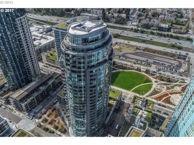 Condo/Townhouse For Sale: 3601 SW River Pkwy #2703