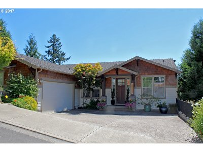 West Linn Single Family Home For Sale: 25775 Kimberly Dr