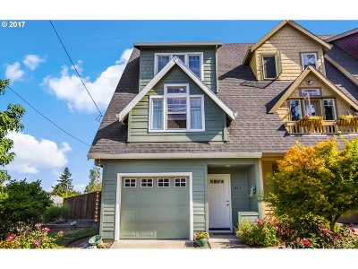 Oregon City Single Family Home For Sale: 1415 16th St