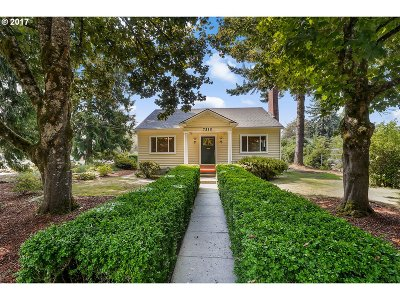 Single Family Home For Sale: 7510 SW Mapleleaf St