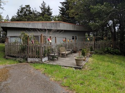 Port Orford Single Family Home For Sale: 701 Coast Guard Hl Rd