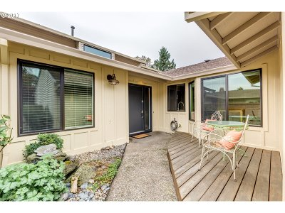 Tigard Single Family Home For Sale: 9580 SW Brentwood Pl