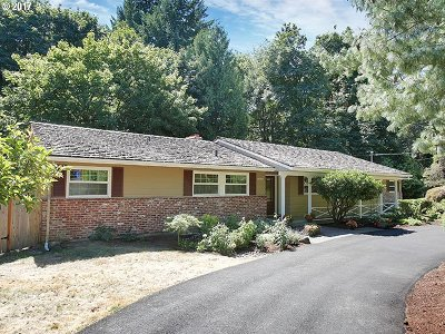 Portland Single Family Home For Sale: 10121 SW Terwilliger Pl