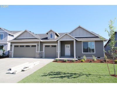 Scappoose Single Family Home For Sale: 33968 SE Vine St
