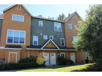 Hillsboro Condo/Townhouse For Sale: 103 NW Canvasback Way #203