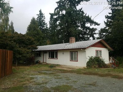 Canyonville Single Family Home For Sale: 419 N Main St