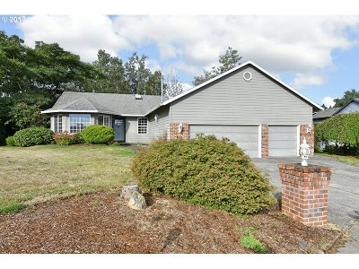 Troutdale OR Single Family Home For Sale: $325,000