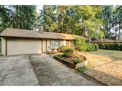 Lake Oswego Single Family Home For Sale: 16724 Roosevelt Ave