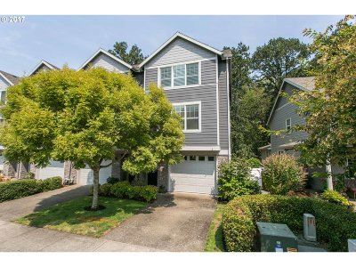 Tualatin Single Family Home For Sale: 9247 SW Sweek Dr