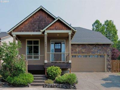 Gresham Single Family Home For Sale: 738 SE Anderson Ln