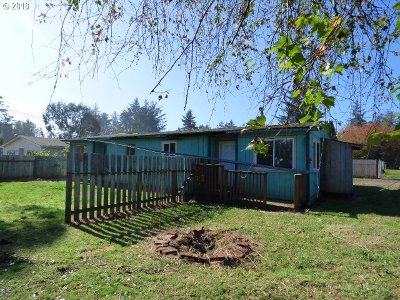 Coos Bay Single Family Home For Sale: 90826 Ford Ln