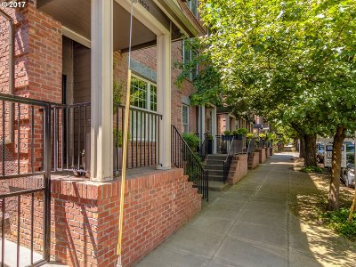 Condo/Townhouse For Sale: 1928 NW Overton St #12