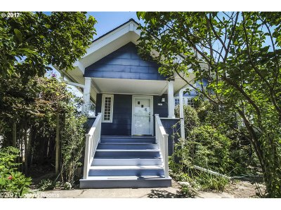 Portland Single Family Home For Sale: 4142 SE 25th Ave