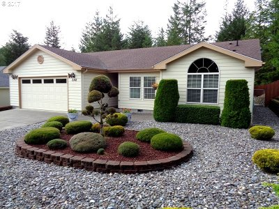 North Bend Single Family Home For Sale: 2142 Lynne Dr