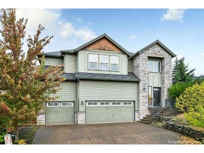 Clackamas Single Family Home For Sale: 13365 SE Verona Dr