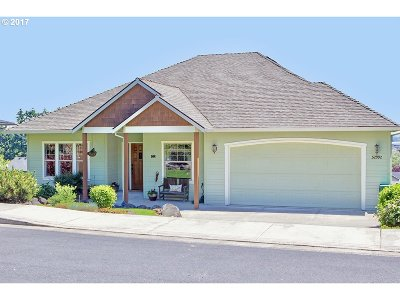 Scappoose Single Family Home For Sale: 52992 NW Sandberg Rd