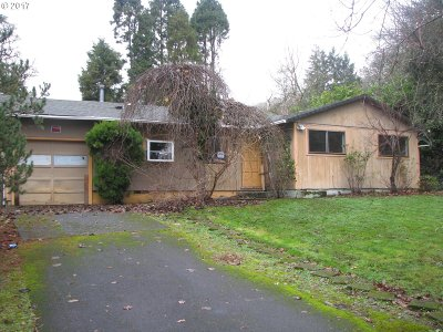 Milwaukie, Gladstone Single Family Home For Sale: 16553 SE Gordon Ct