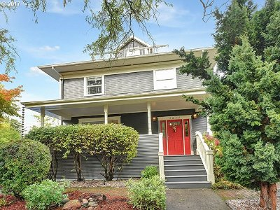Single Family Home For Sale: 3625 SE Yamhill St