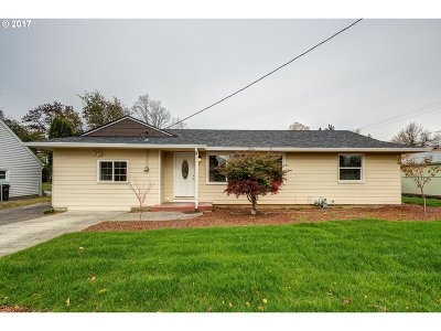 Single Family Home For Sale: 12131 SE Grant St