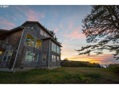 Coos Bay Single Family Home For Sale: 90011 Cape Arago Hwy