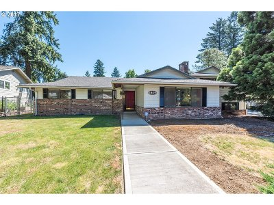 Single Family Home For Sale: 1805 SE Cascade Ave