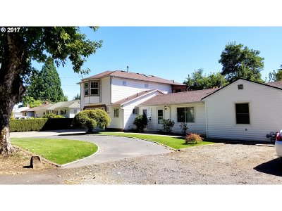 Single Family Home For Sale: 8506 SE Mill St