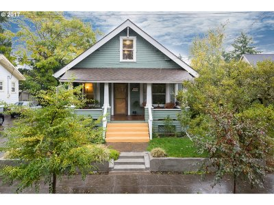 Portland Single Family Home For Sale: 4308 SE 70th Ave
