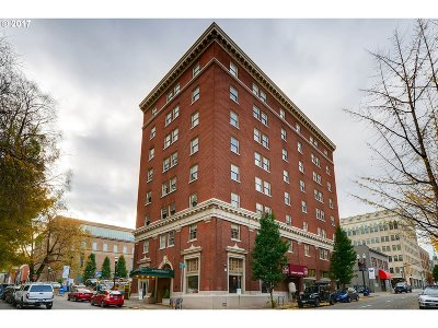 Condo/Townhouse For Sale: 1005 SW Park Ave #202