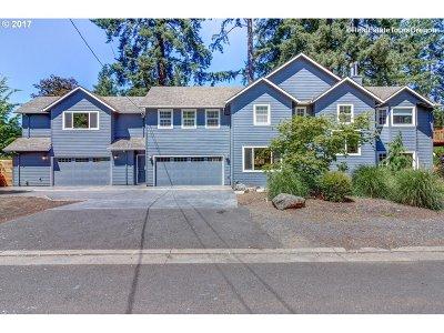 Lake Oswego Single Family Home For Sale: 4101 Virginia Way