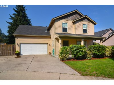 Springfield Single Family Home For Sale: 244 S 67th Ct