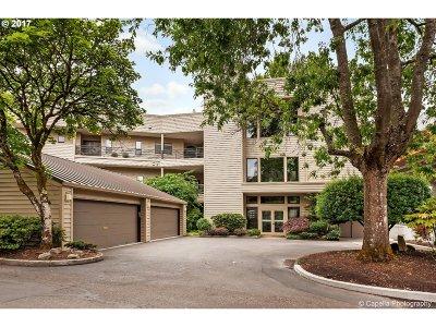 Condo/Townhouse For Sale: 236 SE Spokane St #C-103