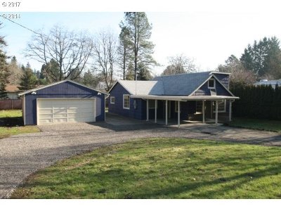 Milwaukie Single Family Home For Sale: 15320 SE River Rd