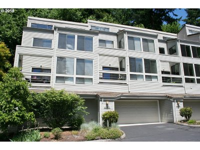 Lake Oswego Condo/Townhouse For Sale: 4467 Thunder Vista Ln