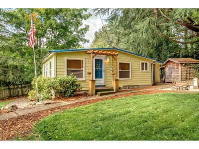 Milwaukie, Gladstone Single Family Home For Sale: 15105 SE River Rd
