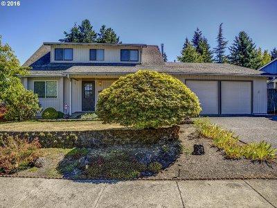 Aloha Single Family Home For Sale: 17260 SW Cynthia St
