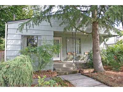 Portland OR Single Family Home For Sale: $325,000