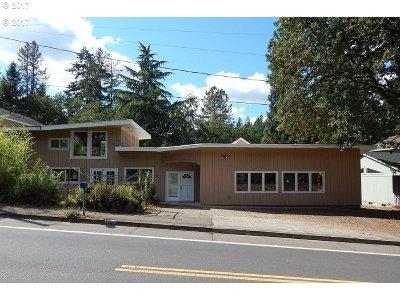 Eugene Single Family Home For Sale: 4360 Fox Hollow Rd