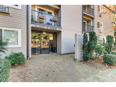 Multnomah County Condo/Townhouse For Sale: 6600 SE Division St #309