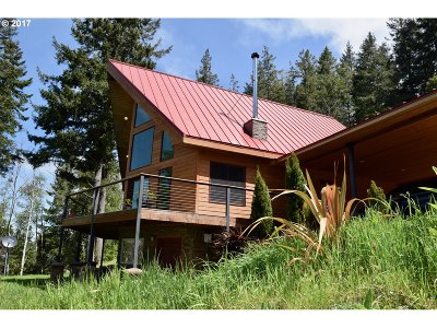 Gold Beach Single Family Home For Sale: 29068 N Grizzly Rd