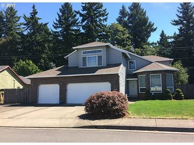 Gresham Single Family Home For Sale: 268 SW 38th Loop