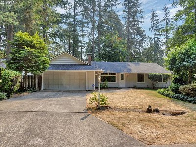 Lake Oswego Single Family Home For Sale: 18964 Redwing Way