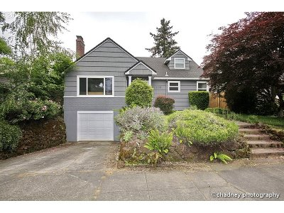 Single Family Home For Sale: 3328 E Burnside St
