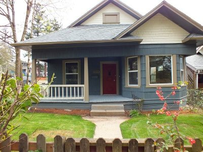 Portland Single Family Home For Sale: 5308 SE 92nd Ave