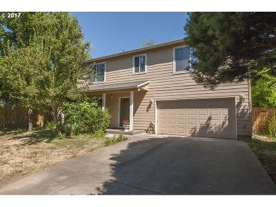 Portland Single Family Home For Sale: 4319 SE 125th Ave