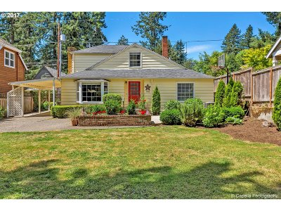 Lake Oswego Single Family Home For Sale: 768 7th St