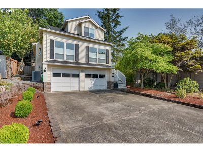 Beaverton Single Family Home For Sale: 16292 SW Bridle Hills Dr