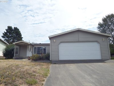 Coos Bay Single Family Home For Sale: 2730 35th