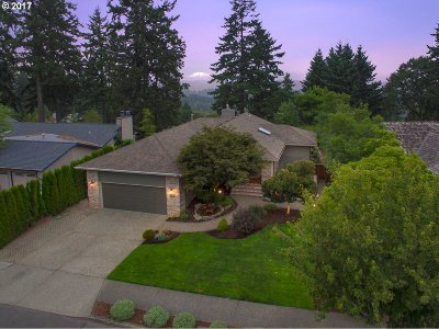 West Linn Single Family Home For Sale: 5515 Summit St